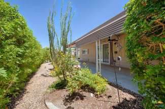 242 Newport Dr., Palm Springs, CA 92264